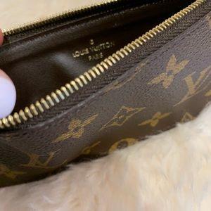 Louis Vuitton Bags - Louis Vuitton 2018 Monogram Zippy Coin Insert